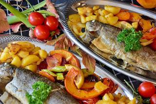 10 Rekomendasi Ide Hidangan dengan Ikan Goreng