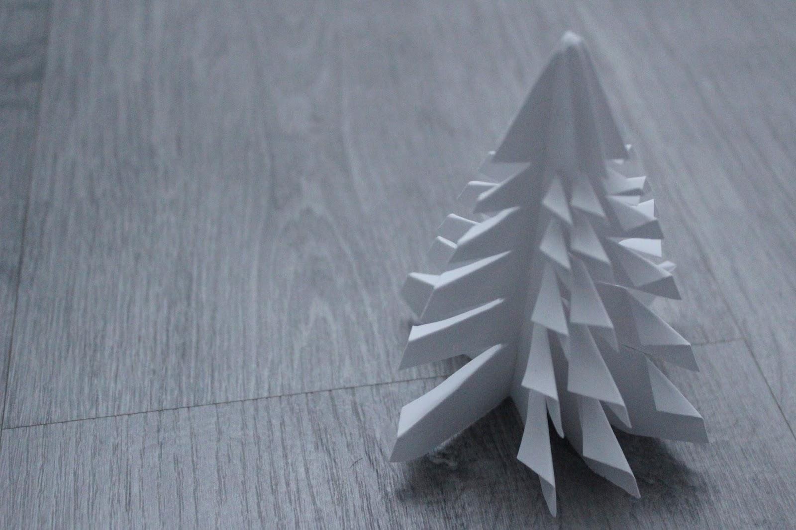 Manualidades en familia - árbol de Navidad DIy