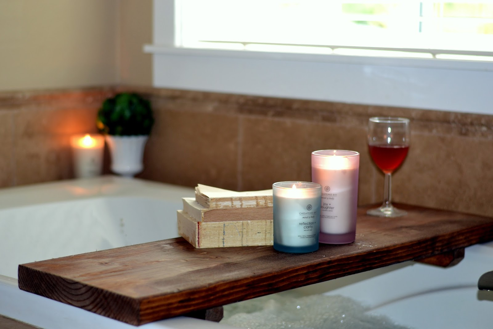 DIY Bathtub Spa Shelf - Rachel Teodoro