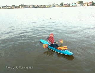 Pertama Kali Bermain Kano di Sungai Kapuas