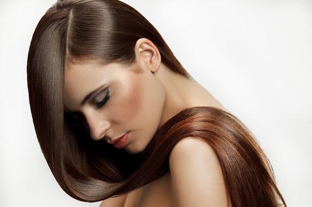 Saiba quais alimentos deixarão os seus cabelos maravilhosos