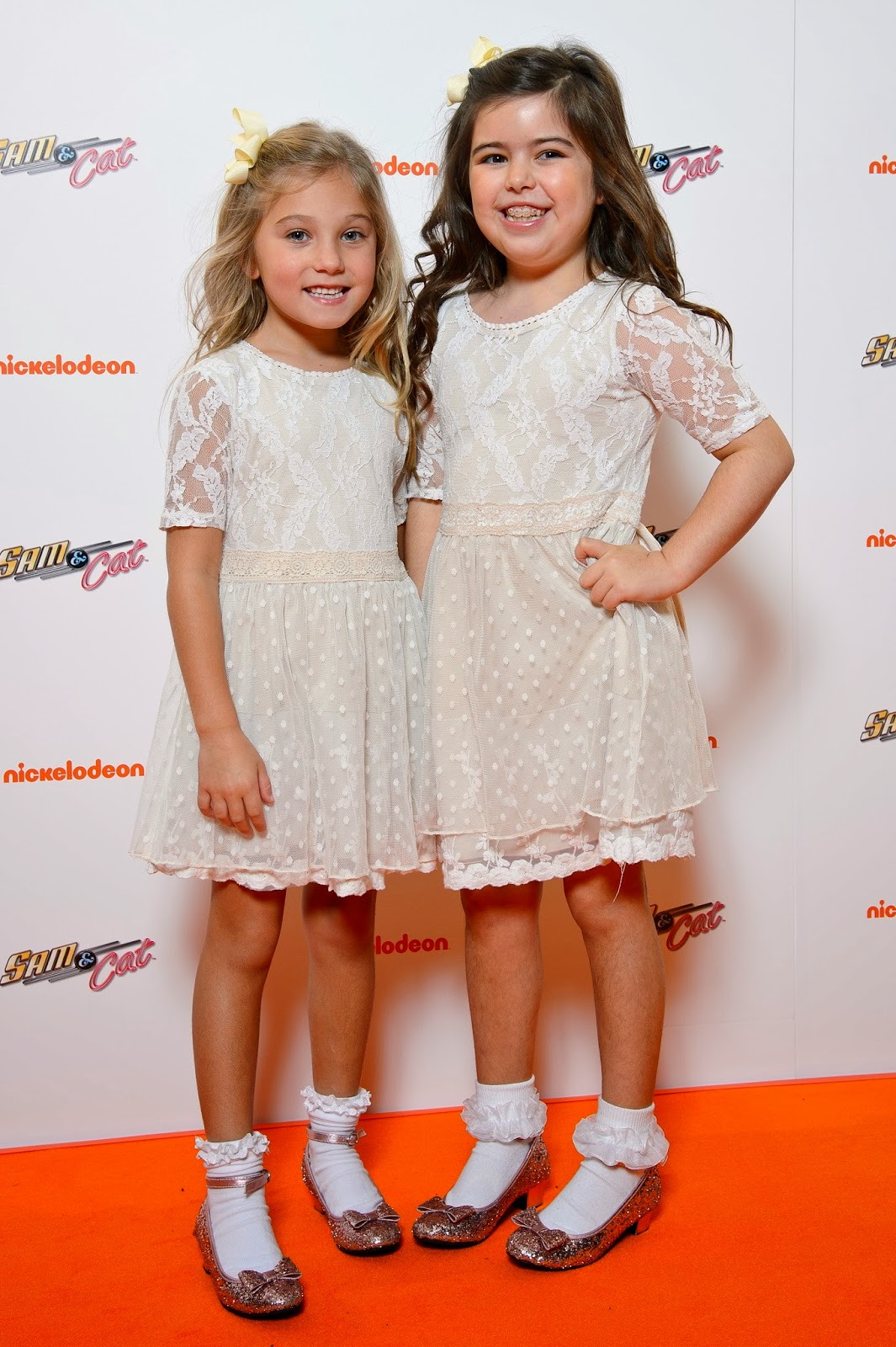 NickALive!: Stars And Fans Gather At The O2 In London For