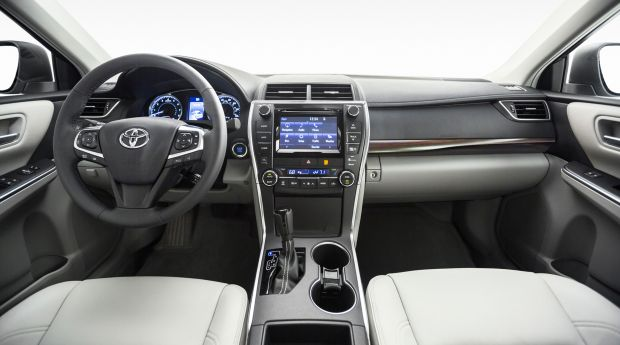 2017 Toyota Camry Xle Review Individuals Who Value The Ideals Of A Fair Size Vehicle And Need One That Exceeds Expectations At Them All Is America S
