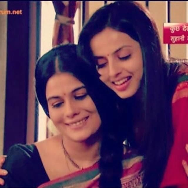 their bond together is so sweet♥ shrenu parikh , shrenu , geetanjali tikekar , ~, Geetanjali Tikekar Hot pics, Marathi Actress in Lanavi Saree