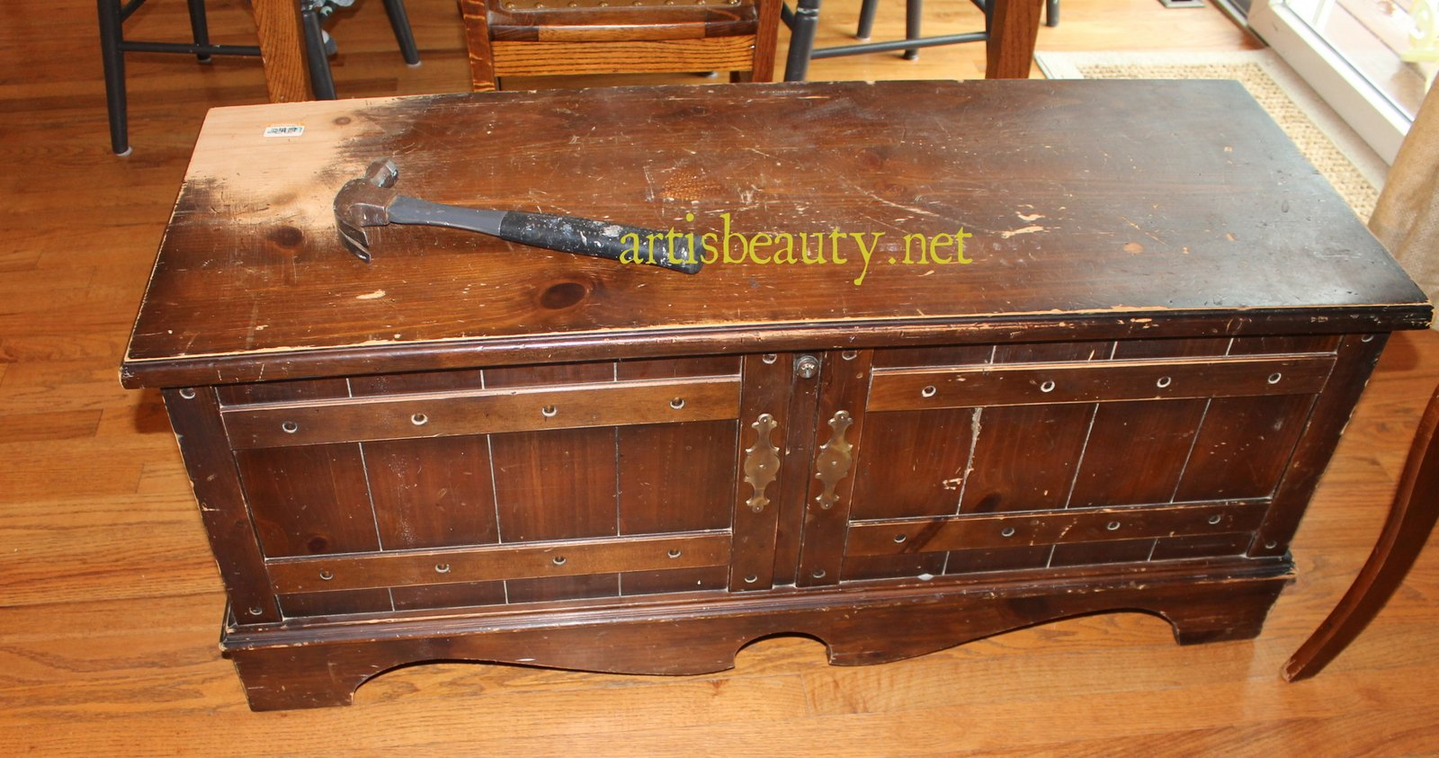 ART IS BEAUTY: Lane Cedar Chest NAUTICAL Makeover with Paint
