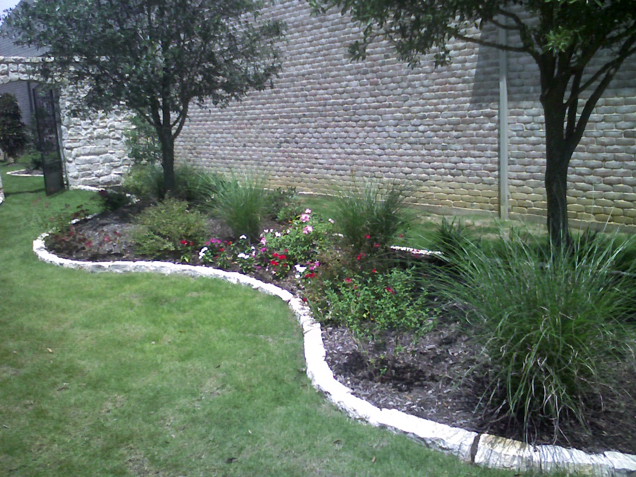 Edging design ideas for Decorative stone garden border