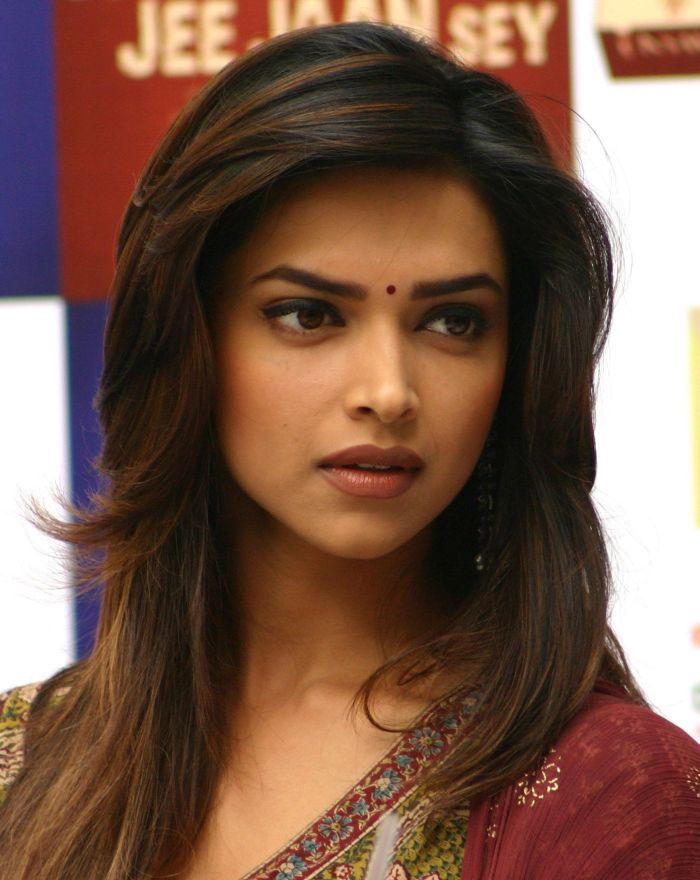 Bollywood Actress Depika Padukone Photo-11  Downloadactress-9059