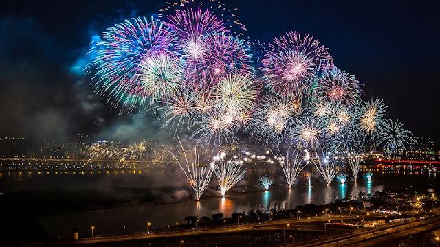 HCM City announces firework displays on New Year, Tet 2