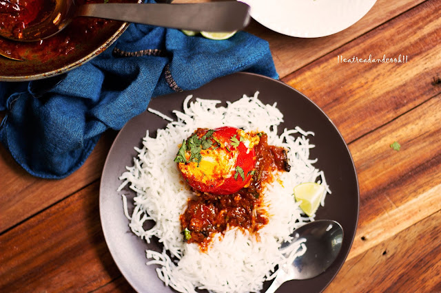 Eggs in a Tomato Curry recipe and preparation