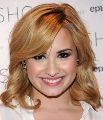 Model rambut pendek wanita sesuai bentuk wajah bulat