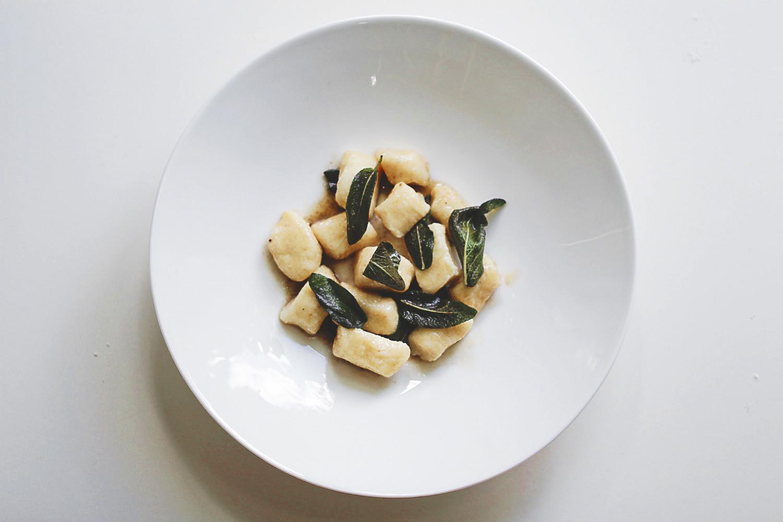 Köstliche Ricotta-Gnocchi mit Salbei und Nussbutter | Arthurs Tochter kocht. Der Blog für Food, Wine, Travel & Love von Astrid Paul