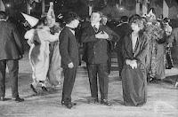 "Кадр из фильма Чарли Чаплина ""Танго-путаница"" (1914) - 11"
