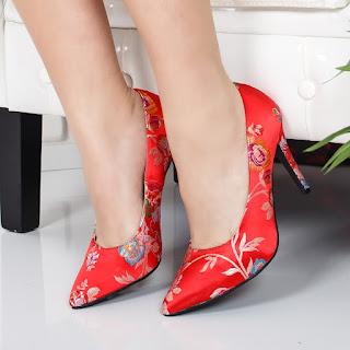 Pantofi Hossi rosii cu imprimeu floral de ocazii