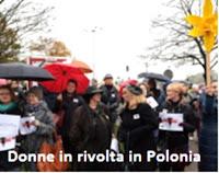 in polonia donne protestano contro la legge anti aborto