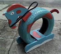 caballo hecho con neumaticos reciclados