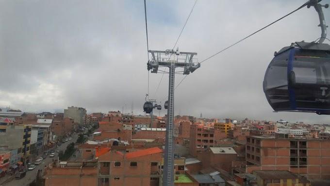 """El Alto: La ciudad """"millennial"""" cumple 32 años con su primera generación"""