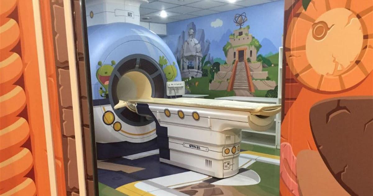 Una nave espacial lleg al hospital garrahan m s chicos for Puerta nave espacial
