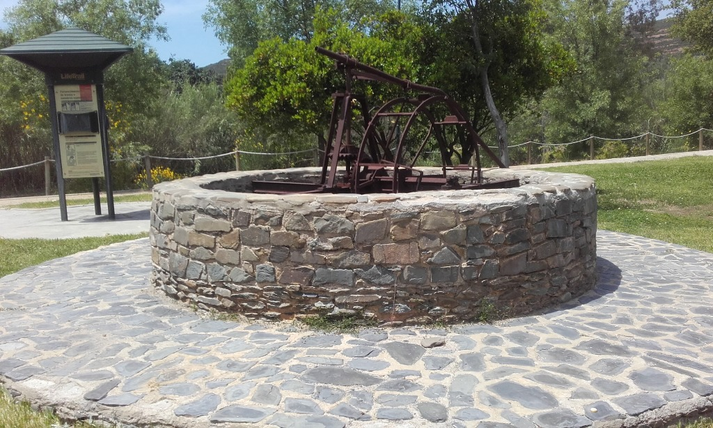 Poço artesanal