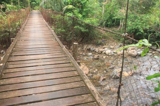 Jembatan Gantung 2 - Catatan Nizwar ID