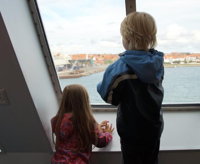Bornholm mit Kindern im Herbst. Teil 2: Ankommen auf der Sonneninsel des Nordens. Bei der Ankunft mit der Fähre staunten unsere Kinder.