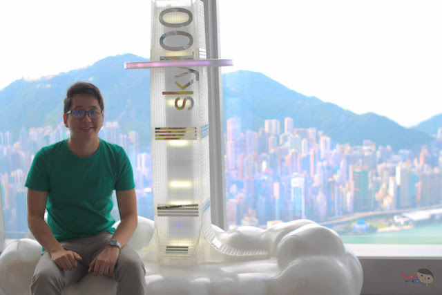 Renz Cheng in Sky100, Hong Kong