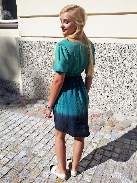 DRESS IN SHADES OF GREEN