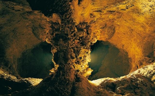 Cueva de los verdes 1