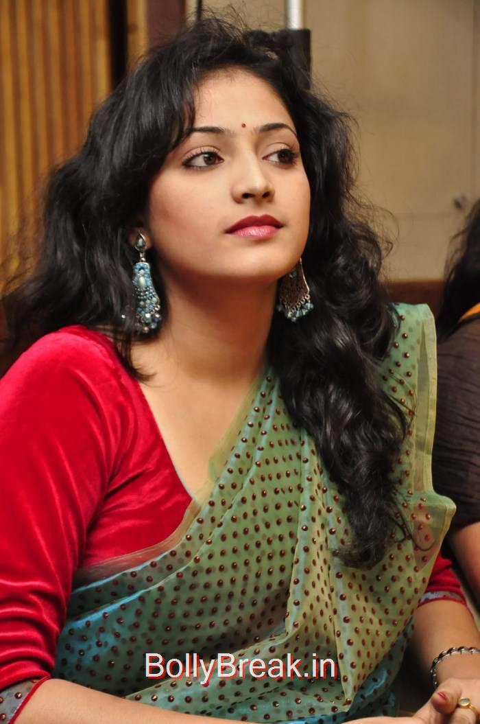 Haripriya Stills, Haripriya Hot HD Images in Teal Green Colour Saree
