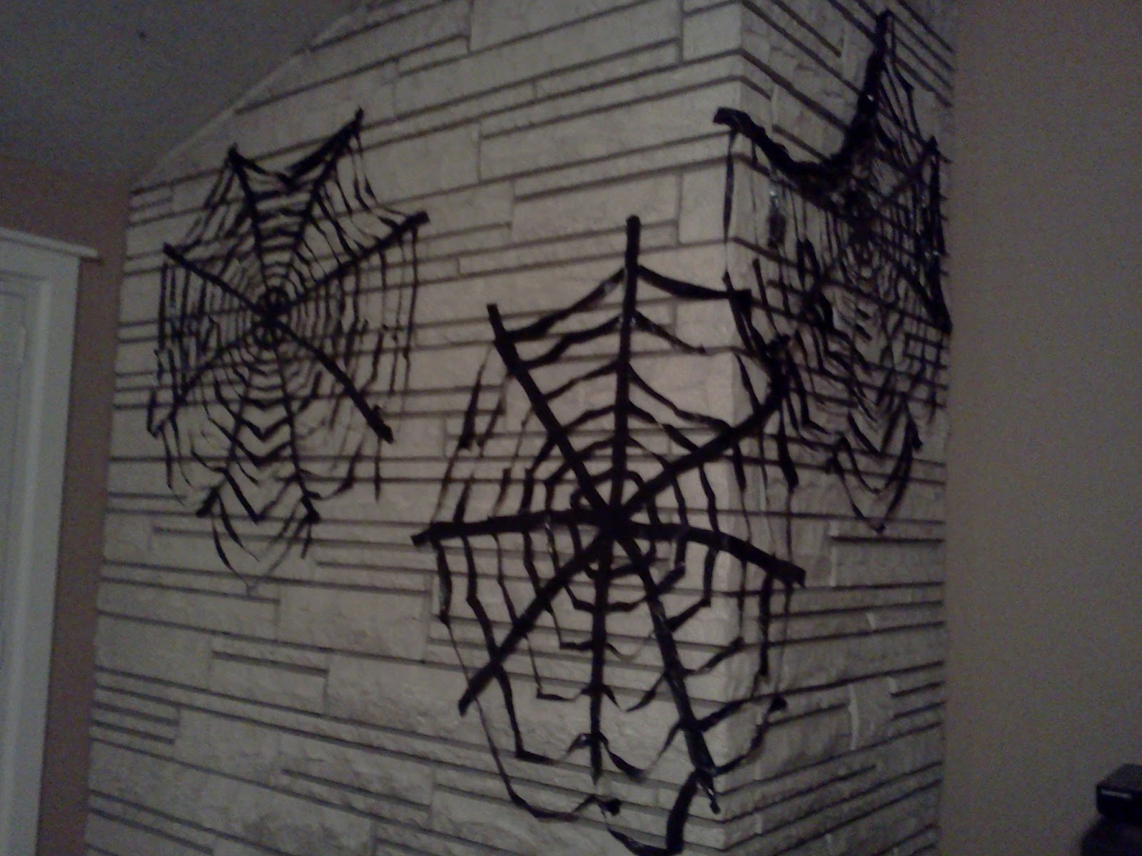 how to make spider webs in real life