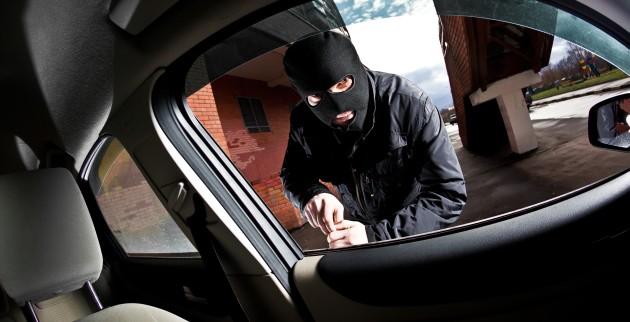 Γιάννενα: Ο 25χρονος από την Αλγερία...χτυπούσε σταθμευμένα οχήματα και έκλεβε χρήματα και έγγραφα