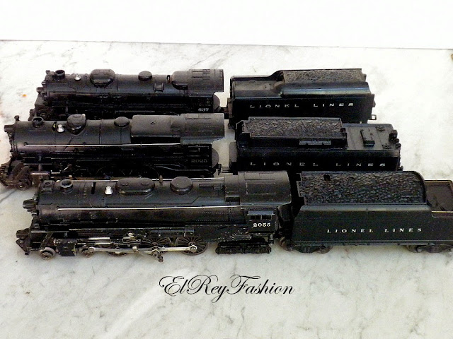 Lionel Chesapeake And Ohio Train likewise Lionel F3 Santa Fe Diesel Lo otives in addition Vintage Lionel Train Track as well Lionel Train Boxcar Baby Ruth together with Vintage Lionel Train Engines 027. on lionel train tenders