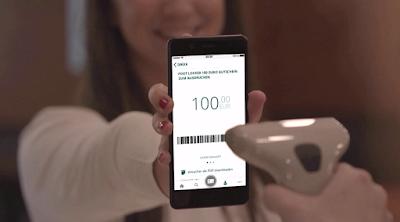 Při placení v obchodě jednoduše ukažte váš eVoucher na displeji mobilního telefonu nebo nadiktujte číslo ručně.