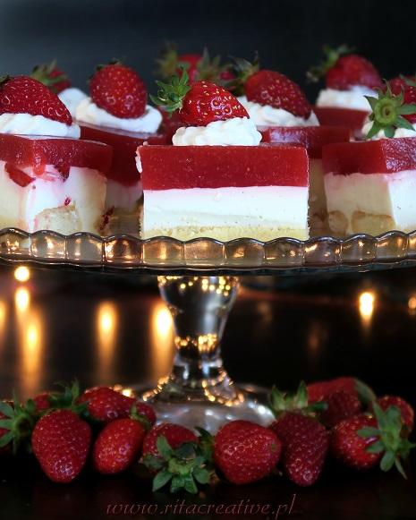 ciasto z truskawkami i jogurtem