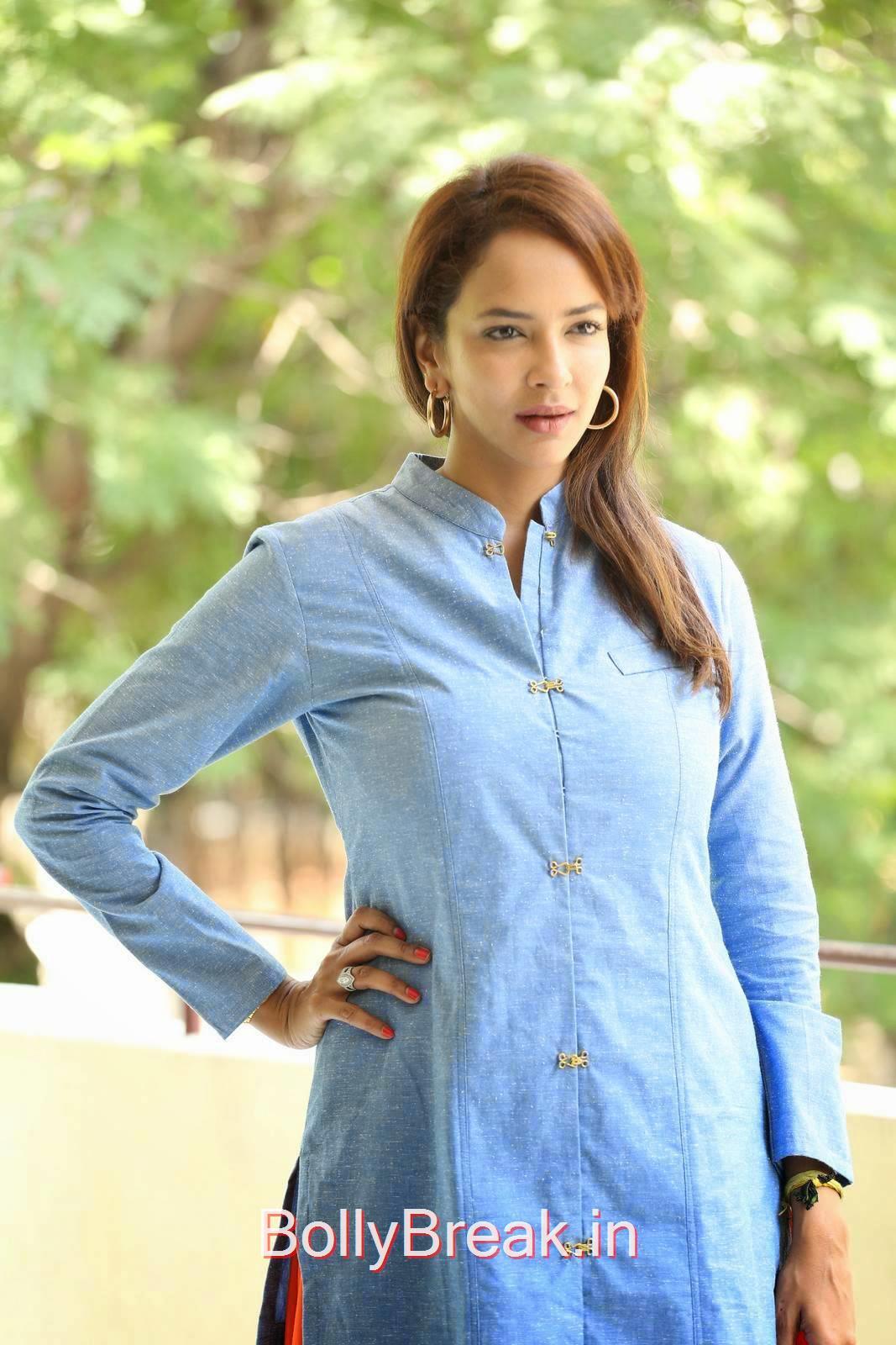 Manchu Lakshmi Stills, Manchu Lakshmi Latest hot Photo Gallery in HD