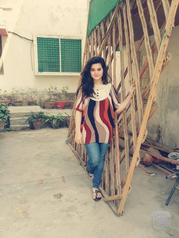 Cute Pakistani Actress Minal Khan Latest Pics Hip Hop 360