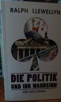 das Cover zeigt in einem Pik-Symbol langweilige Symbole wie den Reichstag, Spielkarten und Geldscheine
