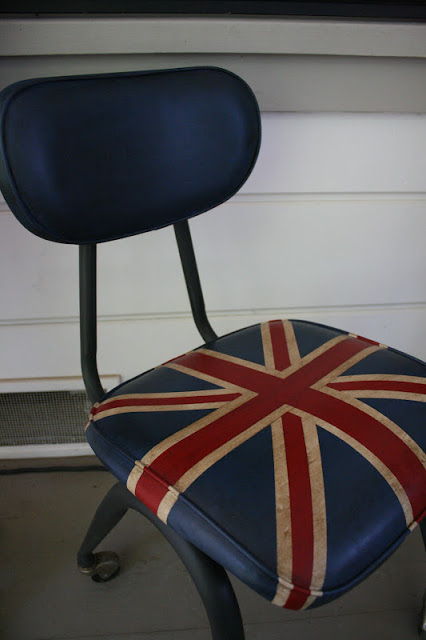 painting vinyl, union jack, painting upholstery, painted upholstery,