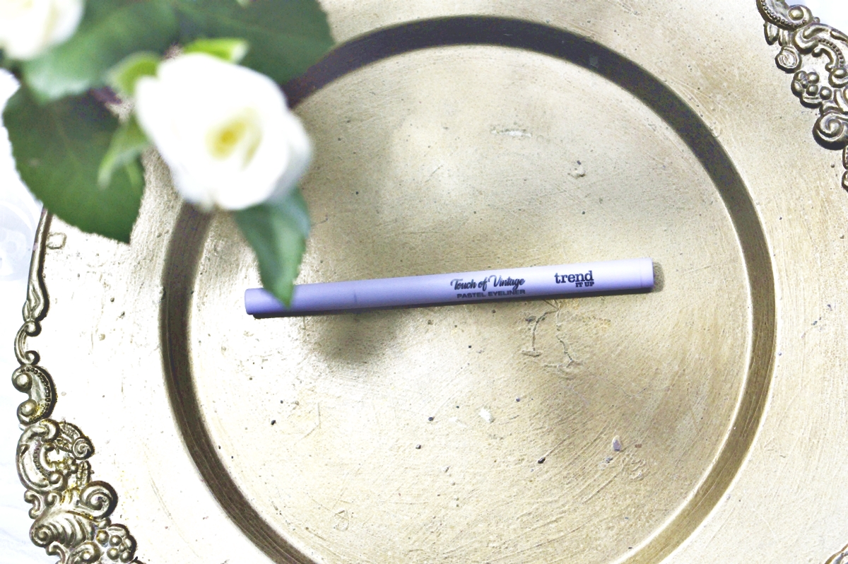trend It UP TOUCH OF VINTAGE - Pastel Eyeliner  040 flieder pastel Top View 1