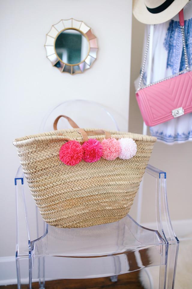 DIY pom pom beach bag
