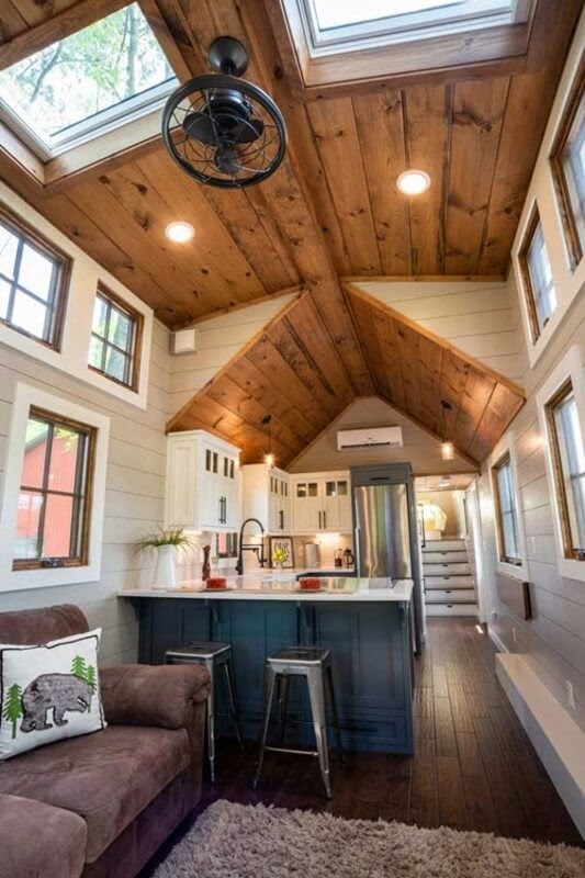 03-Kitchen-and-Ceiling-Timbercraft-Architecture-in-Mobile-Tiny-House-www-designstack-co