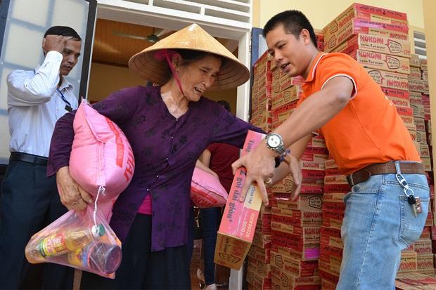 FPT Telecom Tích Cực Hỗ Trợ Đồng Bào Lũ Lụt Quảng Nam