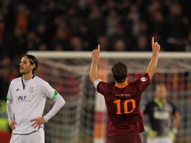 Gol Penalti Totti Bawa Roma ke Semifinal