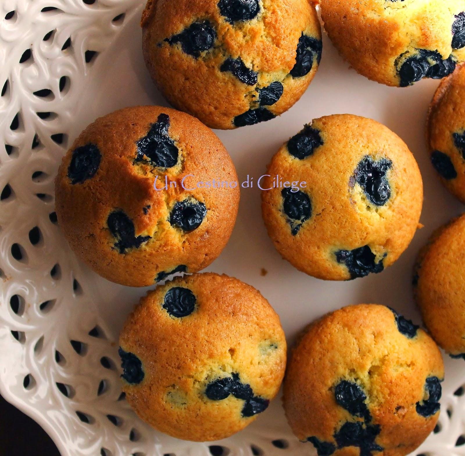 http://uncestinodiciliege.blogspot.it/2014/05/muffins-con-mirtilli.html