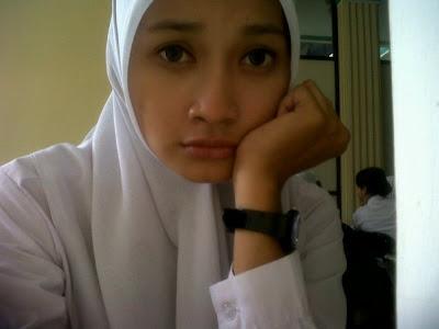 Abg smp jilbab perawan ngobel memek bokep indonesia - 1 2