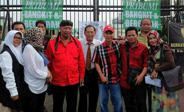 Tokoh aktivis sambangi gedung dpr ri soeararakjat.com