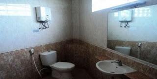 4 Kamar Mandi tersedia di villa agape