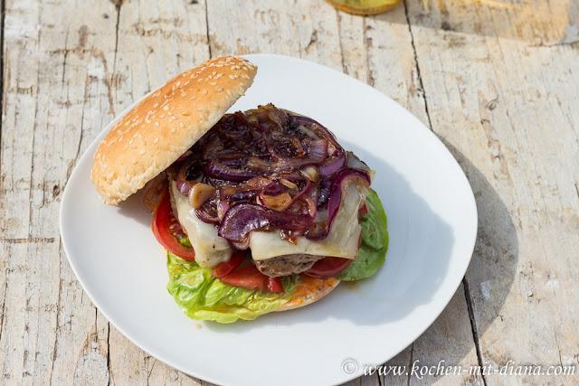 Hausgemachte Cheeseburger