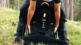 Ta på en tung ryggsäck smidigt