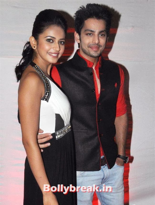 Rakul Preet Singh and Himansh Kohli, Nicole & Rukul - Yaariyan Success Bash Pics