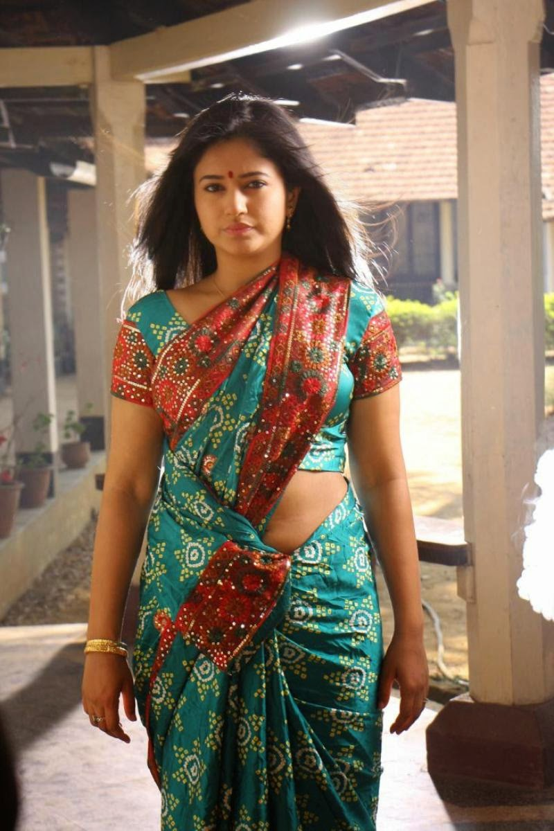 Poonam Bajwa Hot Half Saree Stills | Poonam Spicy Saree ...